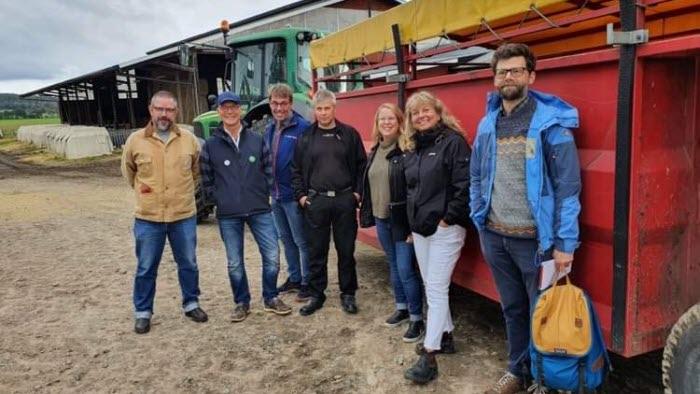 Varbergs kommunledning på besök hos lantbruksföretag