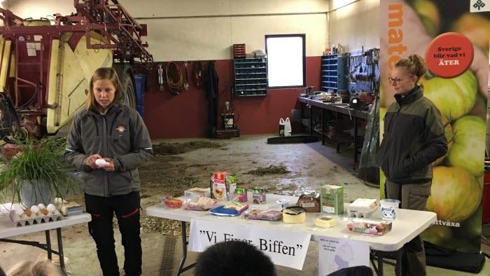 Vara - Julia Liedberg, Ulvstorps ägg, och Mikaela Jardstedt hade hand stationen med proteintema.