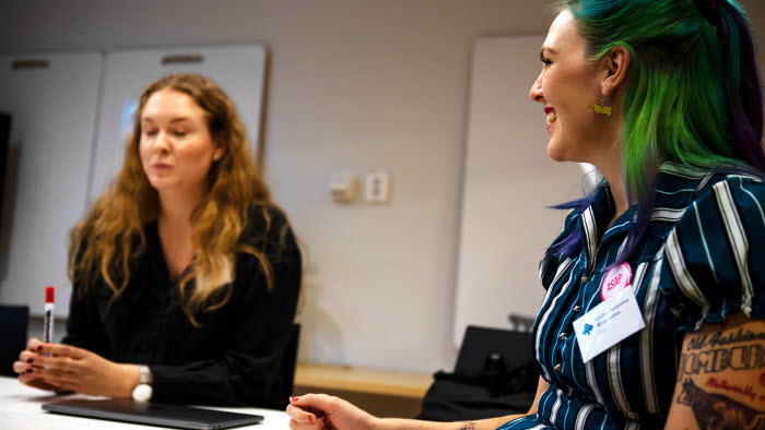 Universitetsstudenter hjälper LRF och LRF Ungdomens ordförande Emilia Astrenius Widerström att skapa innovativa och hållbara idéer till framtidens jordbruk.