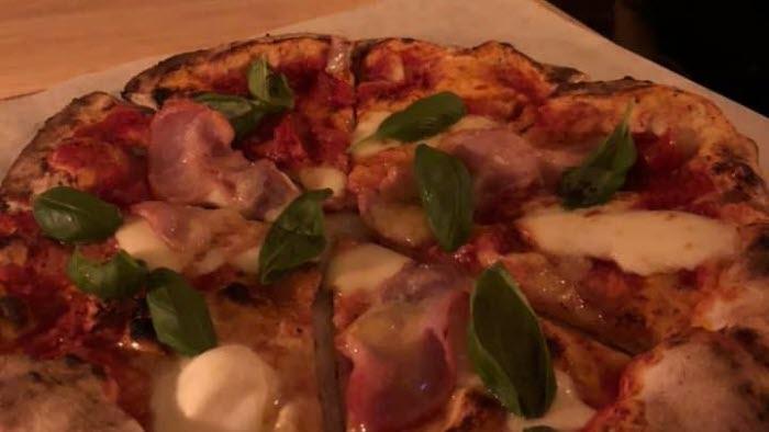 Pizza lokal mat