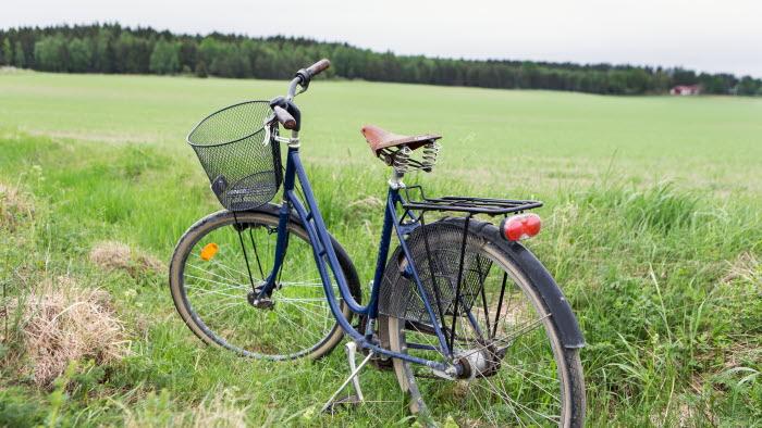 Cykel parkerad vid Esplunda gård. Foto: Ester Sorri.