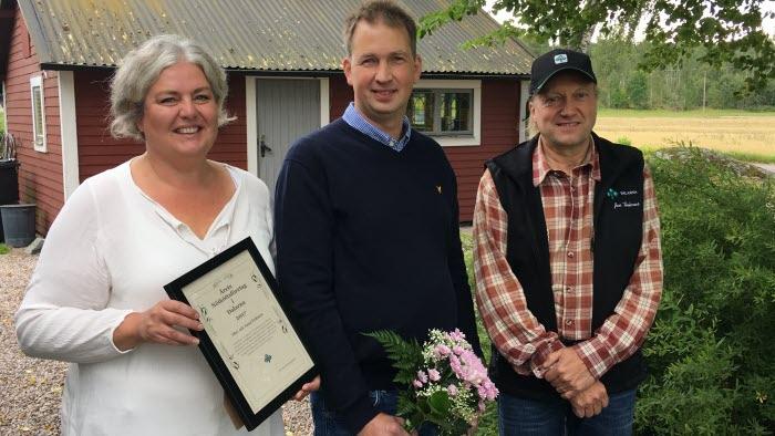 Anna Eriksson, Olov Eriksson och Jan Tholerus, vice ordförande LRF Dalarna