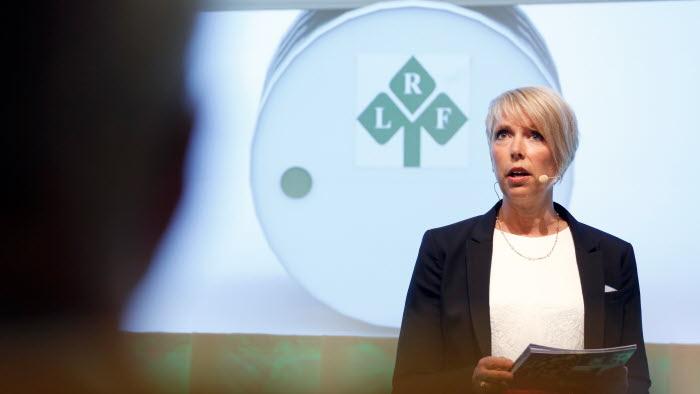 Helena Jonsson välkomsttalar på riksförbundsstämman 2017