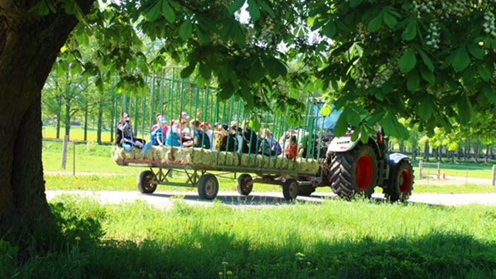 Bonden i skolan, Geddeholms gård, Mälardalen
