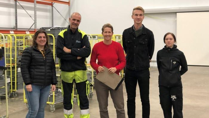 Delar av Borås kommungrupp på distributionscentralen fr v   Monika Hermansson Friedman Ruben Enochsson Fia Löfdahl Anton Eriksson och Sara Broberg