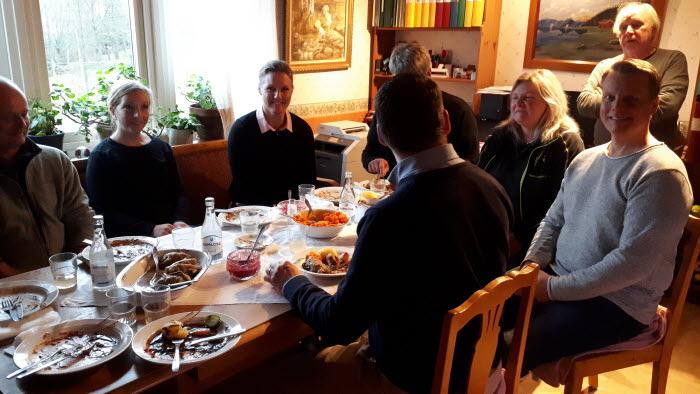 Härryda kommungrupp träffar politiker v47