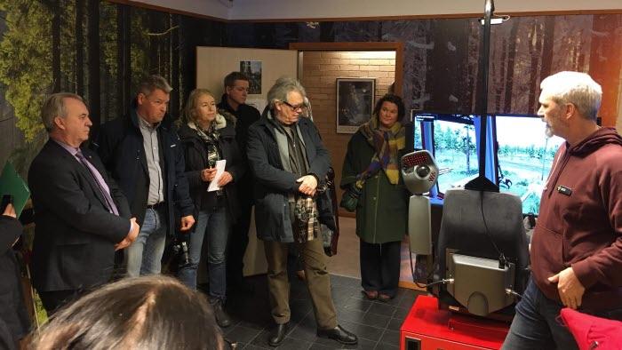 Sven-Erik Bucht besöker Svenljunga Naturbruksgymnasium