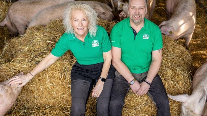 Lena Lindahl och Magnus Johansson på Tibble gårdsgris i Tillberga utanför Västerås blev Årets klimatbonde 2019