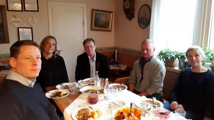 Härryda kommungrupp träffar politiker v47 bild 2