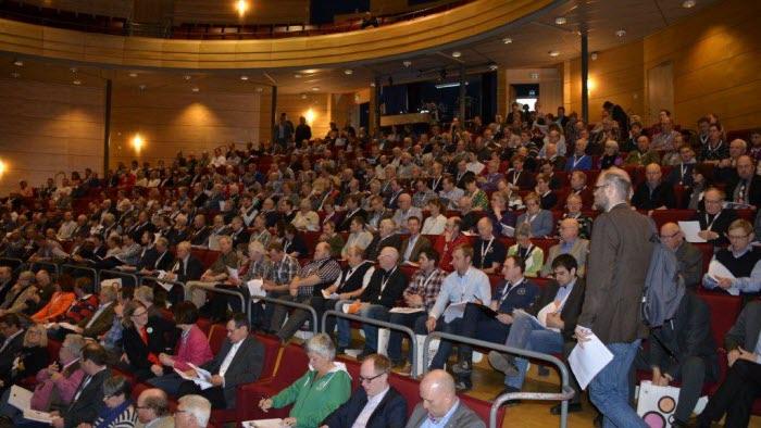 231 av totalt 260 fullmäktige närvarande på stämman tillsammans med 100-talet gäser och övriga medlemmar. Foto: Lotta Bäckberg