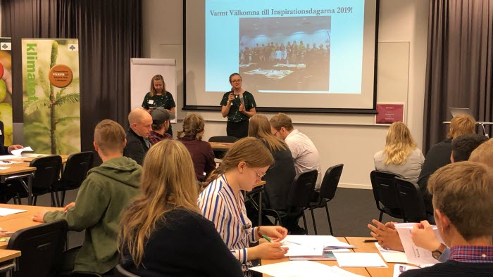 Catrin Gustavsson och Sofia Warefelt öppnar ungdomskonferensen