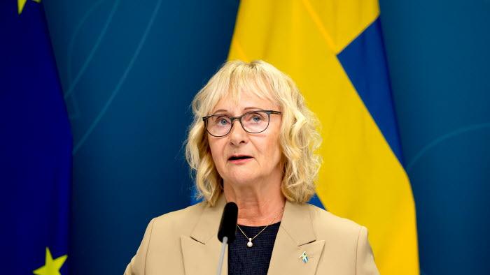 2021-05-26 håller civilminister Lena Micko en digital pressträff tillsammans med riksdagsledamot Peter Helander (C) om förstärkt statlig närvaro i hela landet genom etablering av nya servicekontor.