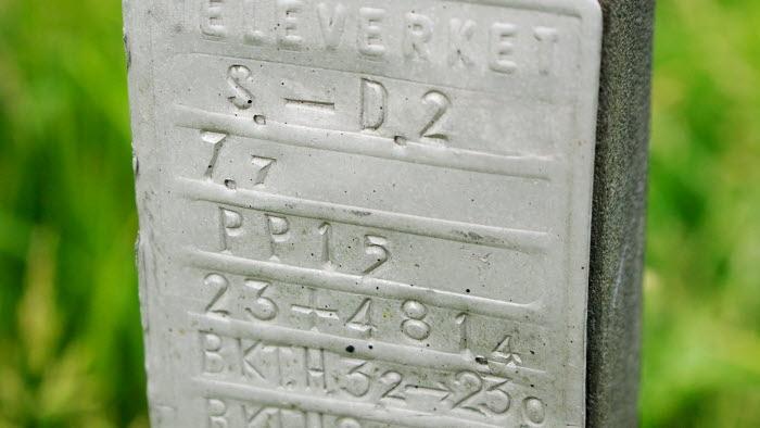 Gammal televerket-stolpe.