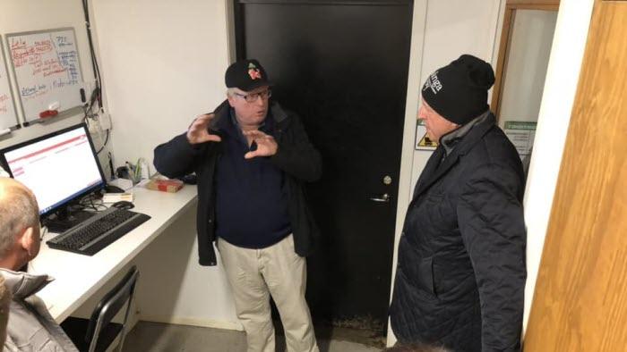 Anders Källström besöker Ronny Johansson på  Häljereds Gård
