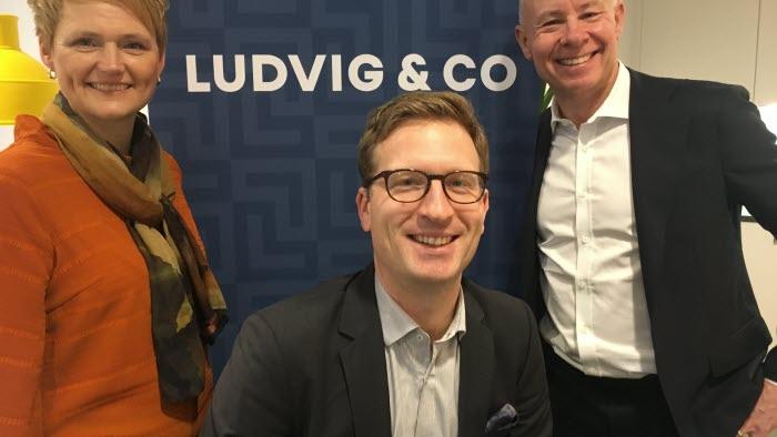 Anna Karin Hatt, vd LRf, Per Skargren, LRF Konsults segmentschef Skog & Lantbruk och Rickard Westlund, vd LRF Konsult, visar upp det nya namnet.