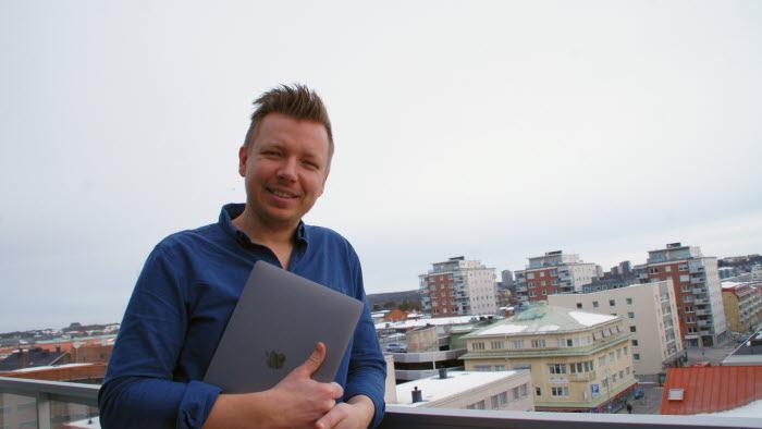 Emanuel Karlsten, expert sociala medier