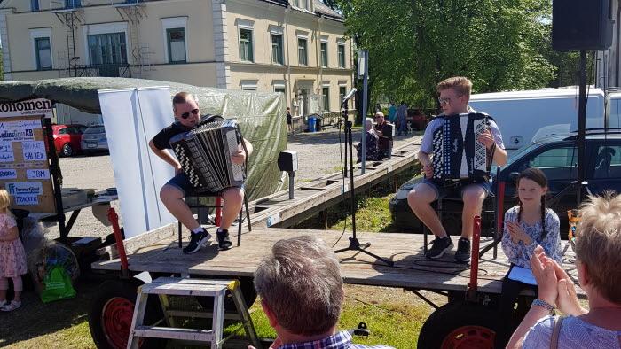 Uppträdande vid veterantraktorrally Arvika