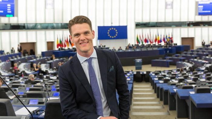 EU-parlamentarikern Christofer Fjellner står upp för svenskt skogsbruk.