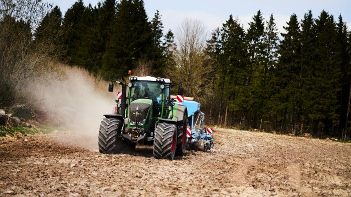 Körande traktor