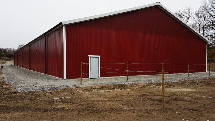 Ridhuset vid Stall Kofsa är ett av tre ridhus som byggs av expanderade företagare i Blekinge just nu.