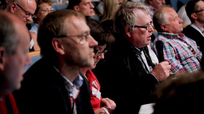 En enig LRF-stämma ställde sig bakom uttalandet om att Sverige behöver en livsmedelsstrategi. Foto: Johanna Norin