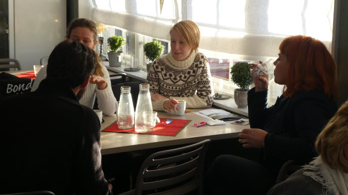 Många intresserade diskussioner vid det allra första uppstartmötet för naturbeteskött i Östergötland
