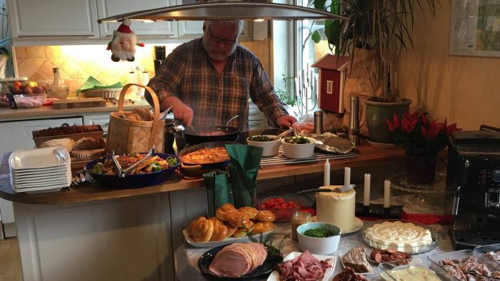 Håkan Persson förbereder julmat