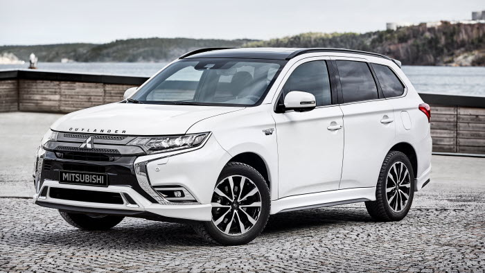 Mitsubishi Outlander PHEV Kuro