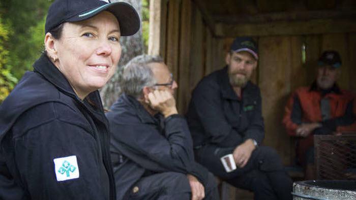 Maria Jonsson, ordf. Gävleborg, bjöd ut till pressen till skogsägaren Per-Anders Hansson mark i Norralas skogar för en intervju om det gröna näringslivets betydelse i länet.