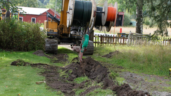 bredband, grävmaskin,