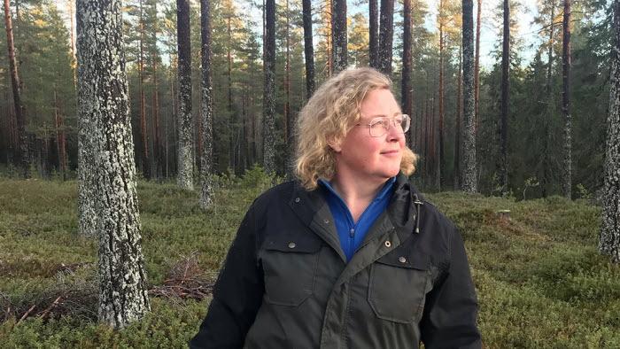 Jenny Karlsson, ordf LRF Norrbotten,  i skogen