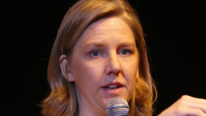 Karolina Skog vid konferensen Fossilfritt Östergötland 2017
